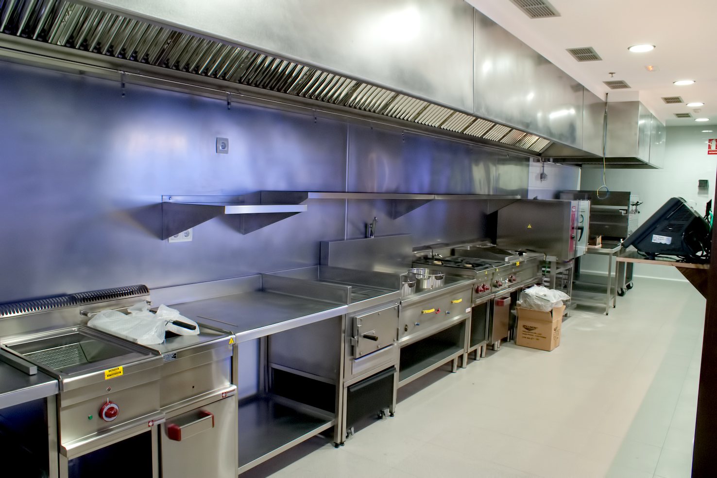 fotos-proyectos-obras-aceroinnova-cocinas-hosteleria-restauracion-instalaciones-montaje9