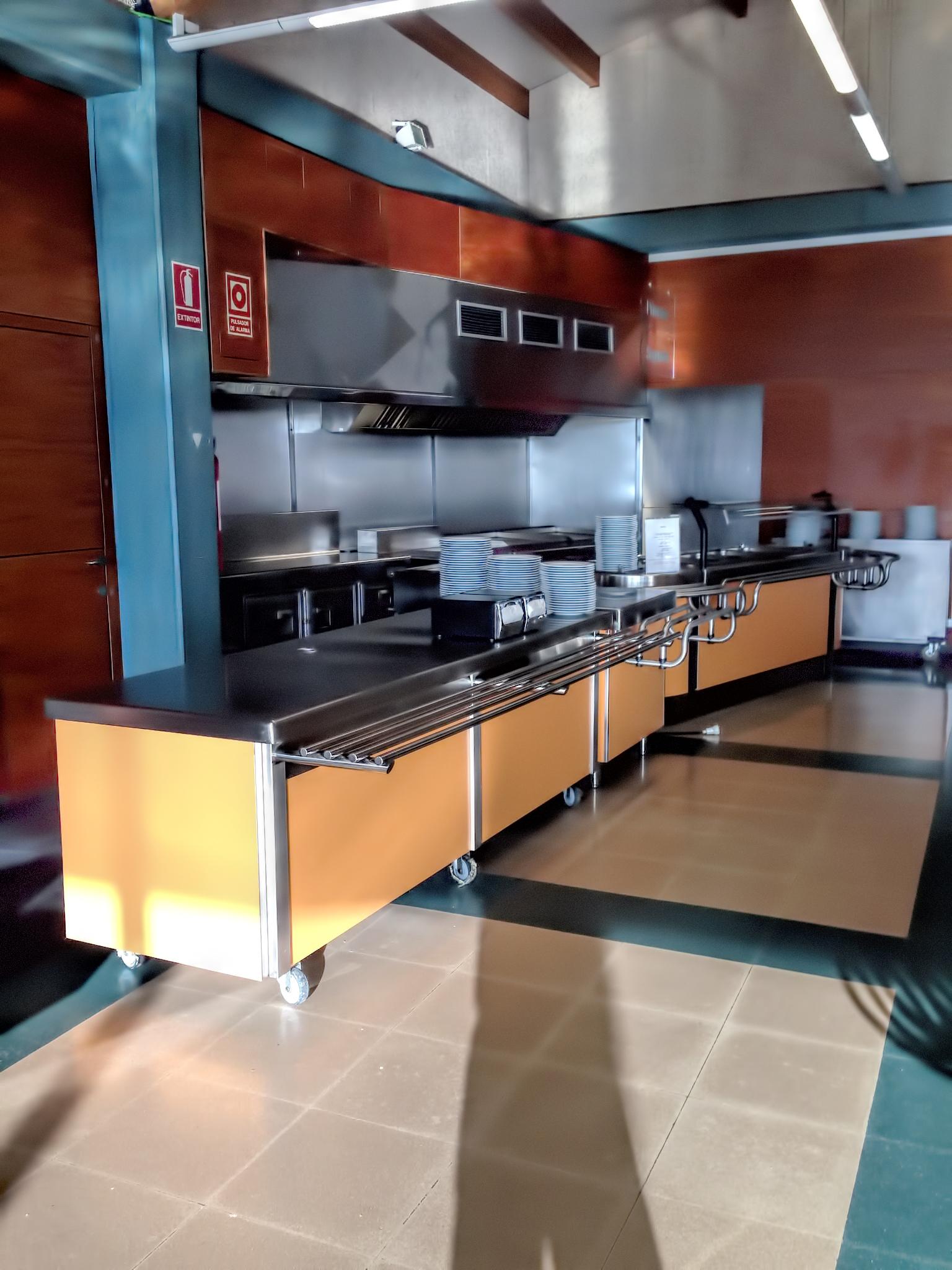 fotos-buffet-proyectos-obras-aceroinnova-cocinas-hosteleria-restauracion-instalaciones-montaje3