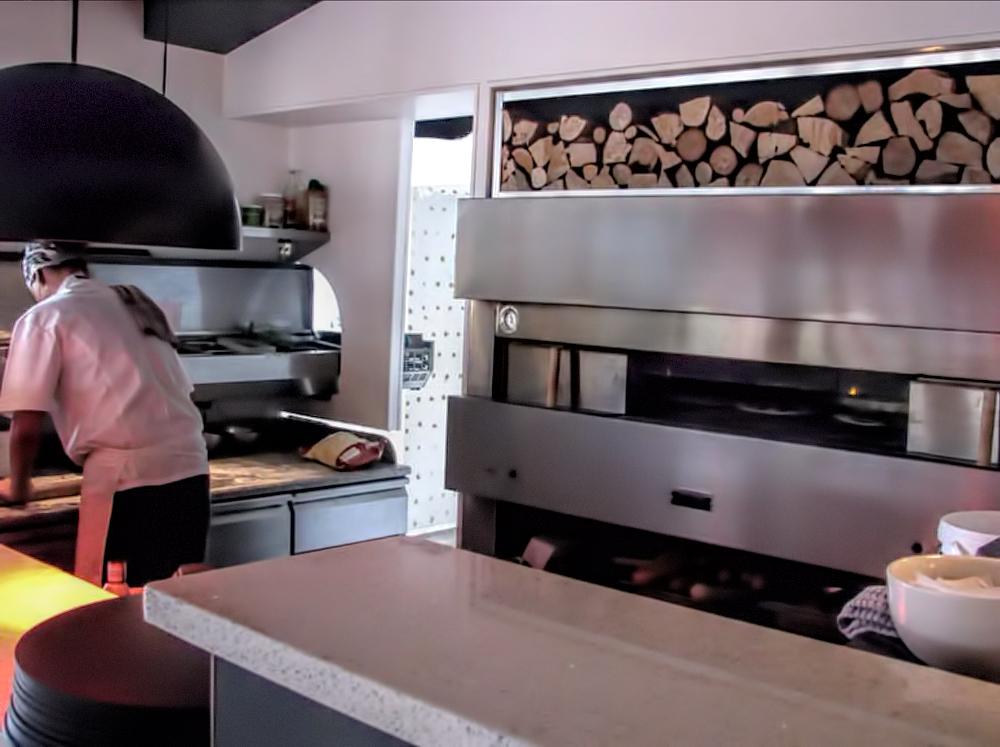 fotos-horno-pizza-proyectos-obras-aceroinnova-cocinas-hosteleria-restauracion-instalaciones-montaje-3