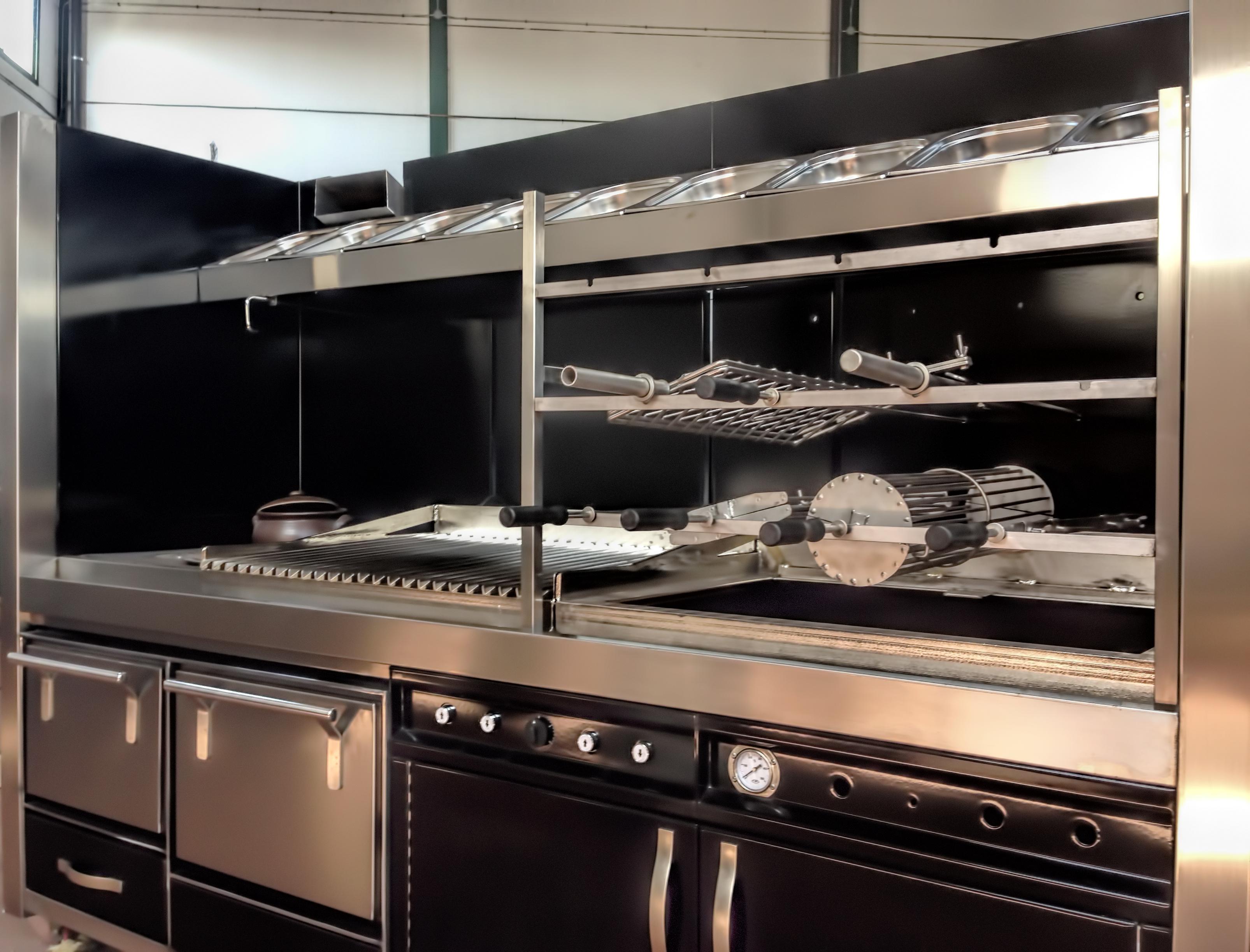 fotos-parrillas-proyectos-obras-aceroinnova-cocinas-hosteleria-restauracion-instalaciones-montaje18