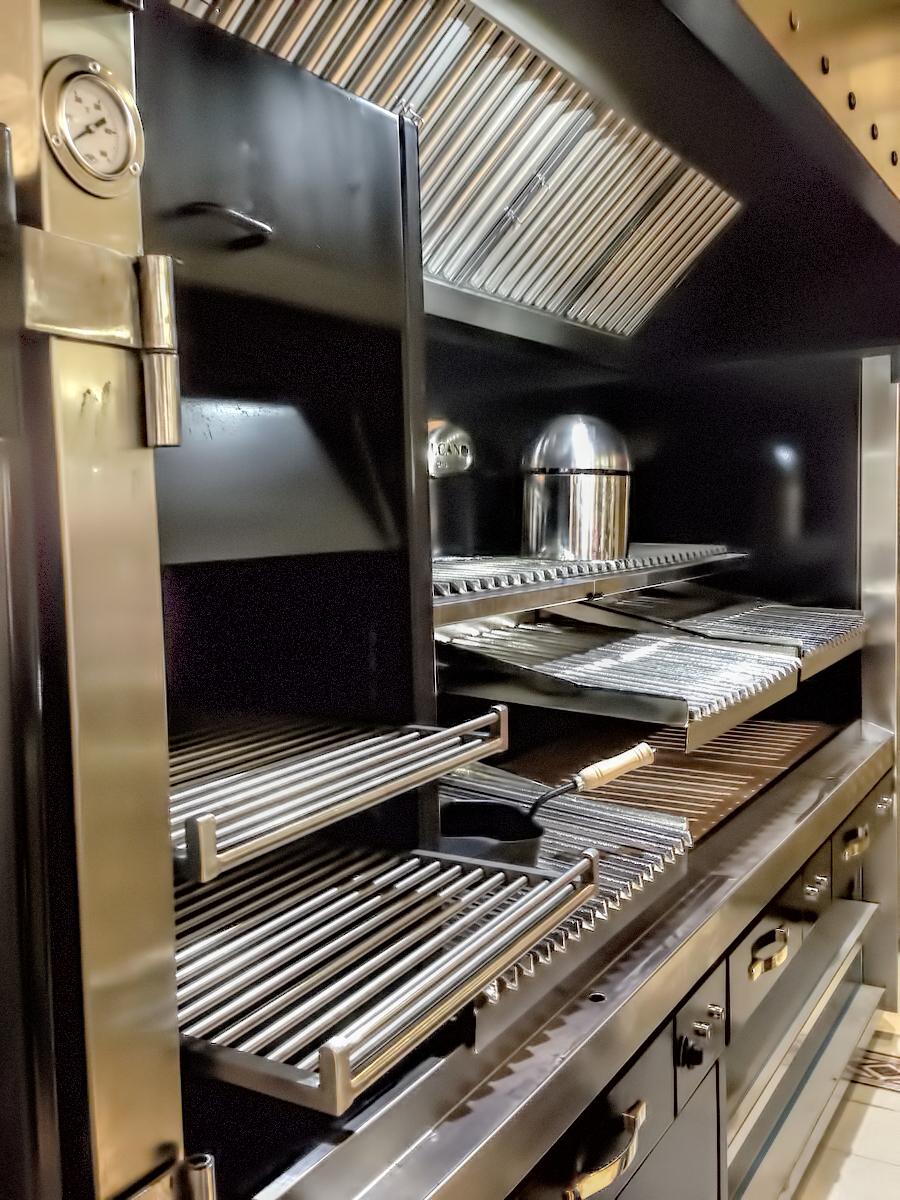 fotos-parrillas-proyectos-obras-aceroinnova-cocinas-hosteleria-restauracion-instalaciones-montaje23