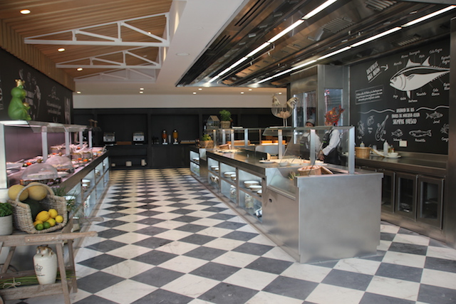 Decoracion comedor buffet cocina maquinaria mobiliario for Mobiliario cocina restaurante