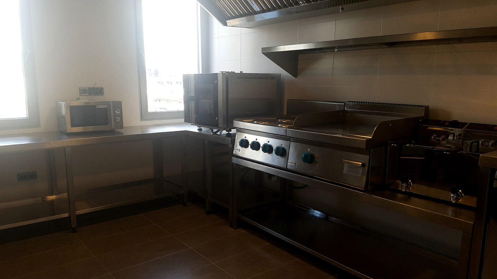 diseño-fabricacion-cocina-mobiliario-maquinaria-direccion-banco-popular-acero-inoxidable-madrid-accesorios2