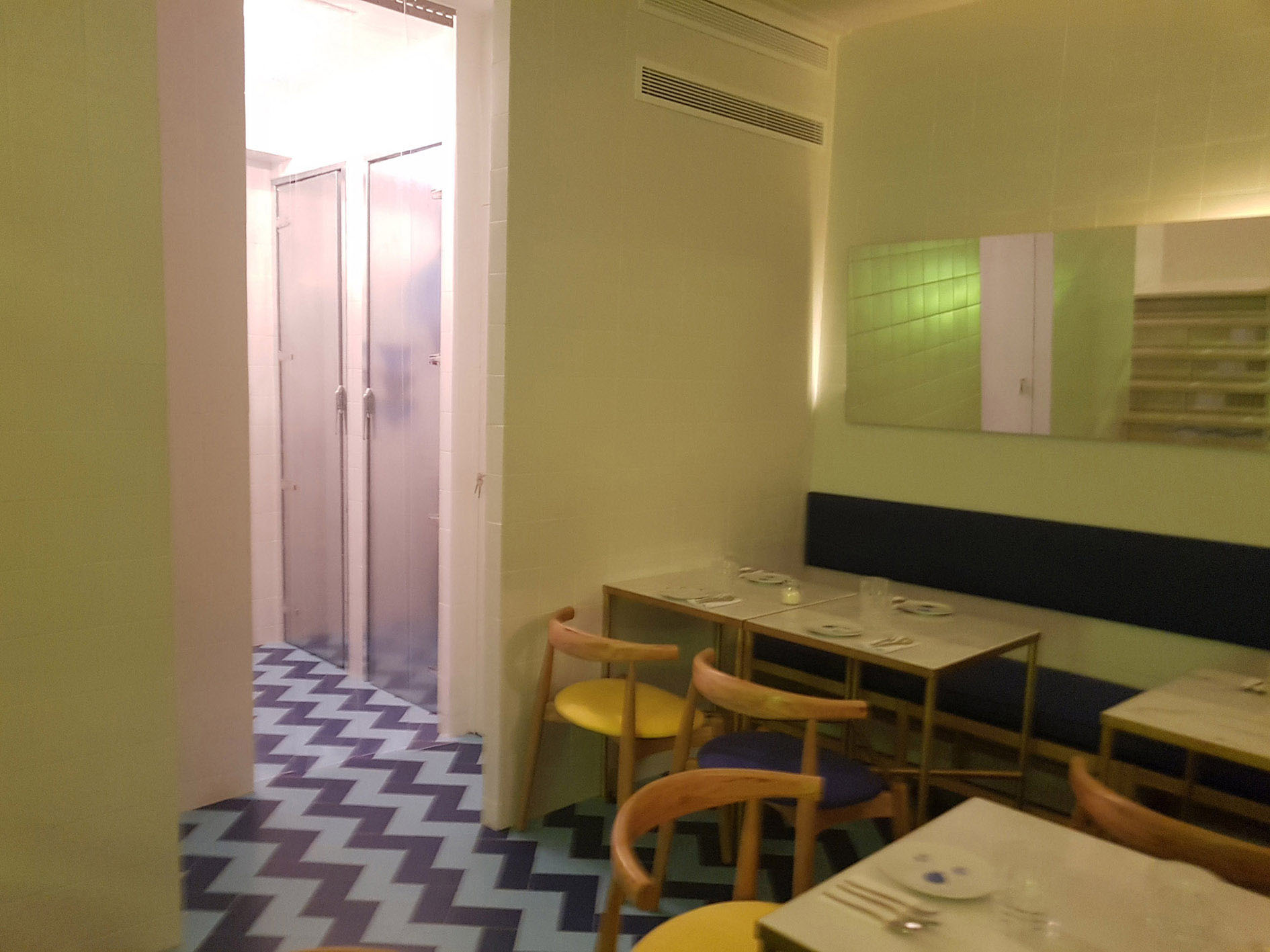 la-cebicheria-de-trafalgar-restaurante-proyectos-hosteleria-puesta-marcha-madrid-hosteleria-mobiliario-diseño-cocinas-decoracion-menaje-vajilla3