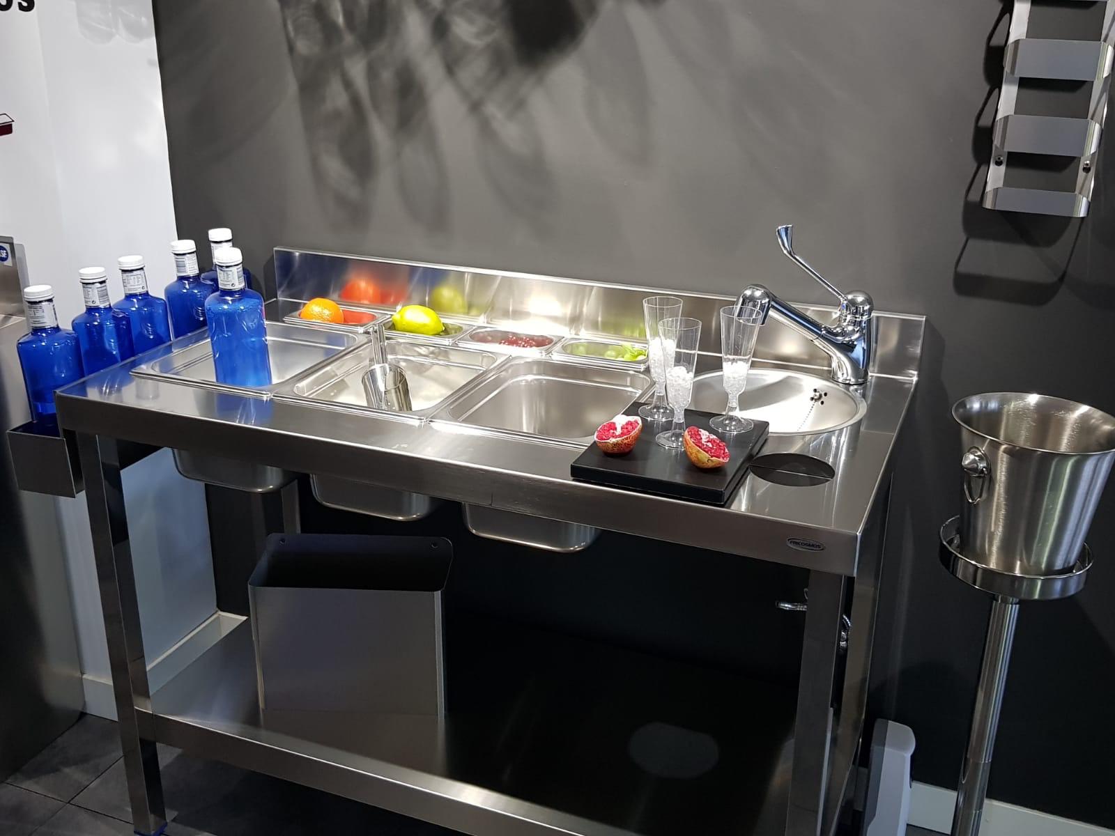 diseño fabricación fabricantes mobiliario maquinario accesorios acero inox acero inoxidable cocteleria cocktel instaladores instalación en toda españa madrid 2018 fabrica