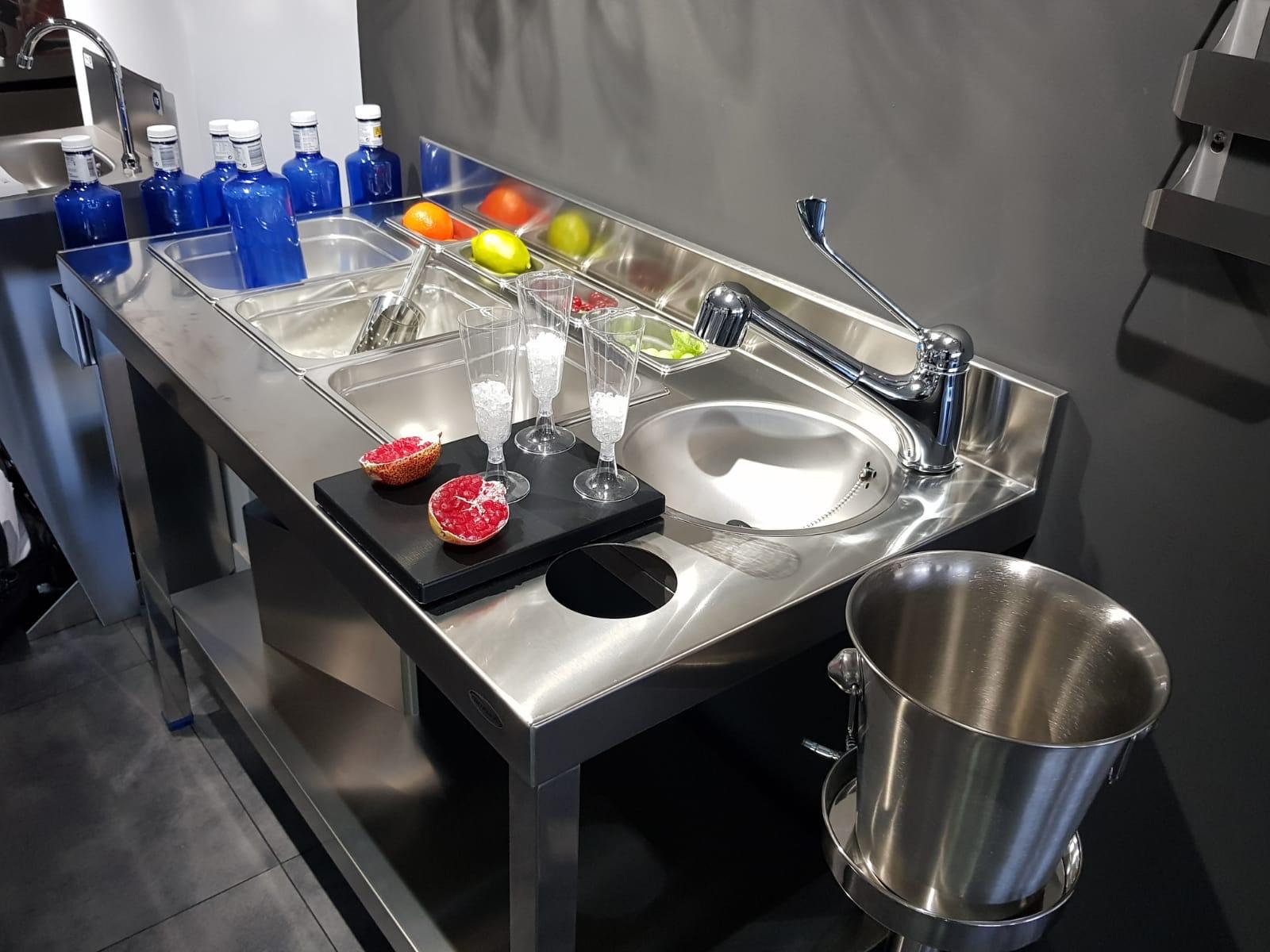 diseño fabricación fabricantes mobiliario maquinario accesorios acero inox acero inoxidable cocteleria cocktel instaladores instalación en toda españa madrid