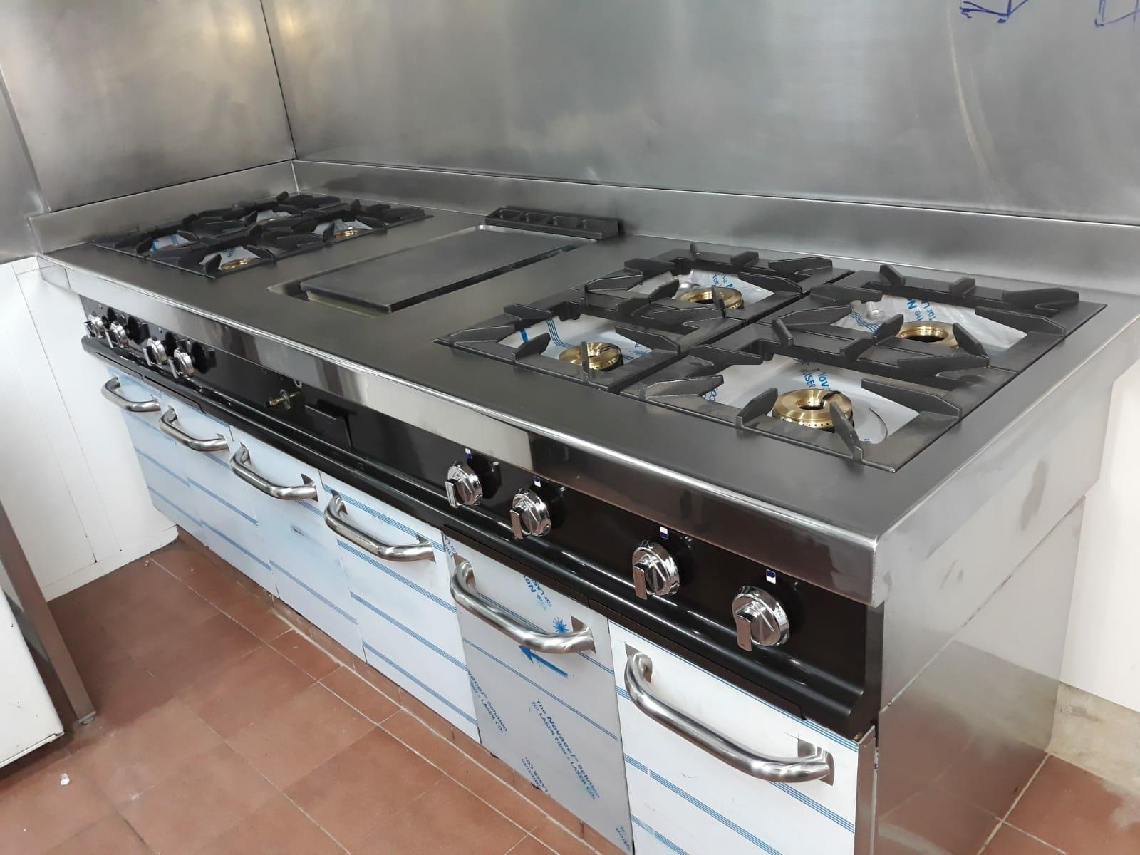 Servicio horeca aceroinnova fabricante fabricacion for Instalacion cocina industrial