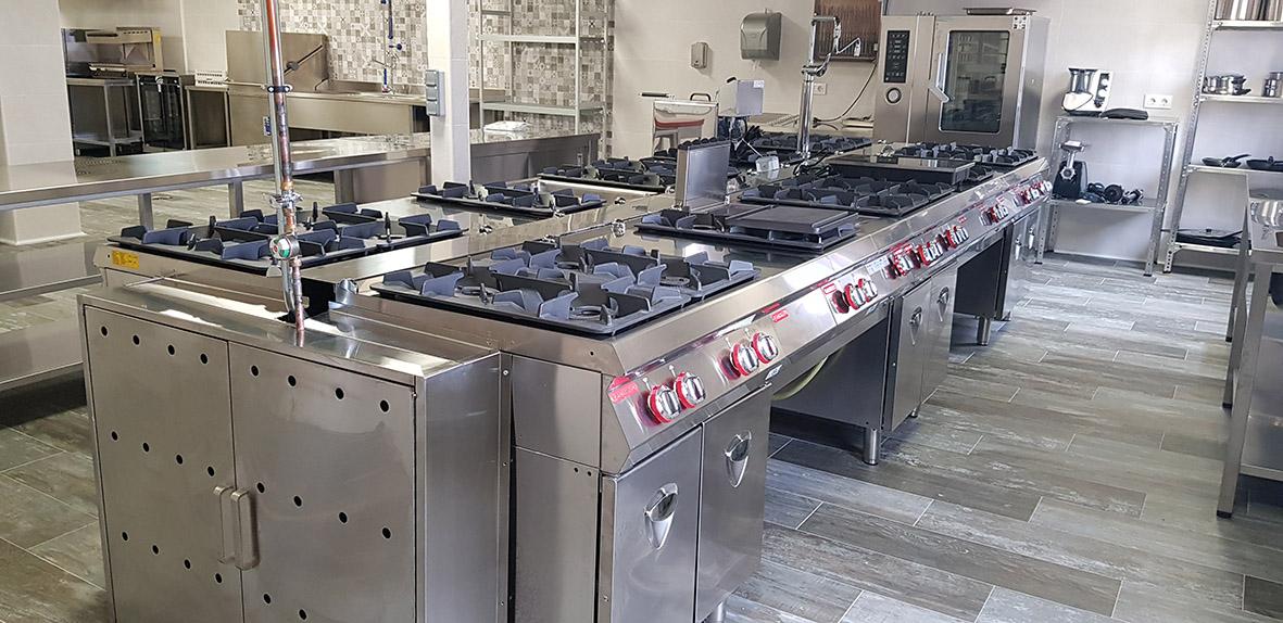 ACEROINNOVA Mobiliario Maquinaria Hostelería Equipamiento Diseño Cocinas Industriales Profesionales