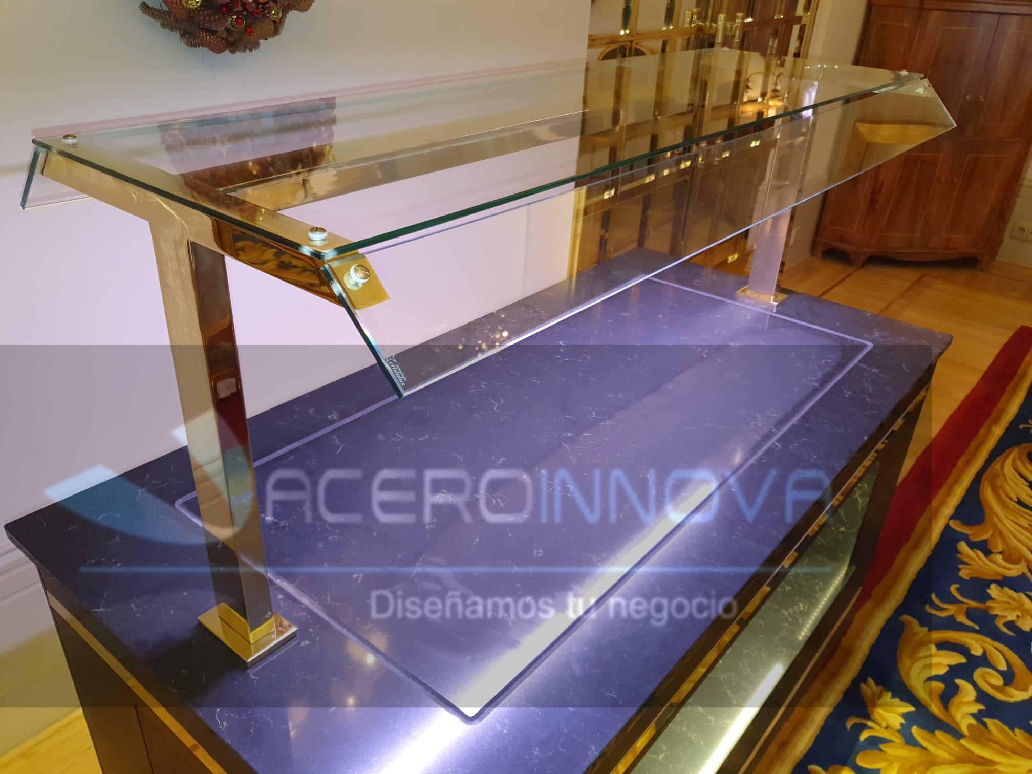 DISEÑO, FABRICACIÓN DEL UN MOBILIARIO EXCLUSIVO DE LUJO A MEDIDA PARA BUFET BUFFET BUFÉ DEL HOTEL WELLINGTON DE MADRID UN HOTEL DE 5 ESTRELLAS Y REFERENTE DEL LUJO EN MADRID. ACEROINNOVA LLEVA A CABO MOBILIARIO Y MAQUINARIA PARA HOSTELERIA DE PRESTIGIO PREMIUM EN ESPAÑA Y PORTUGAL. Aceroinnova ha sido la empresa elegida para realizar el diseño, la fabricación y la instalación del bufet buffet bufé del Hotel Wellington de Madrid un hotel de 5 estrellas y referente del lujo en Madrid. Aceroinnova lleva a cabo mobiliario y maquinaria para hosteleria de prestigio premium en España y Portugal. Aceroinnova está en la vanguardia del diseño para mobiliario en acero inoxidable y en todo tipo de material para creación de cocinas de hoteles, bufet bufé buffet de hoteles de desayuno, comida y cena, zonas de cocteleria cocktatil de los mas prestigiosos establecimientos hosteleros de Madrid, toda España y Portugal. Consulte su idea sin compromiso pues disponemos de un prestigioso y experimentado servicio integral para hoteles y hosteleria en general. Mobiliario y Maquinaria Bufet Bufé Buffets Hoteles Hosteleria, Diseño fabricación instalacion bufets bufés Buffet negocios hosteleros en Madrid, Buffets Bufés Bufets para Hoteles Premium Lujo calidad, mobiliario bufé bufet buffet para hoteles restaurantes.